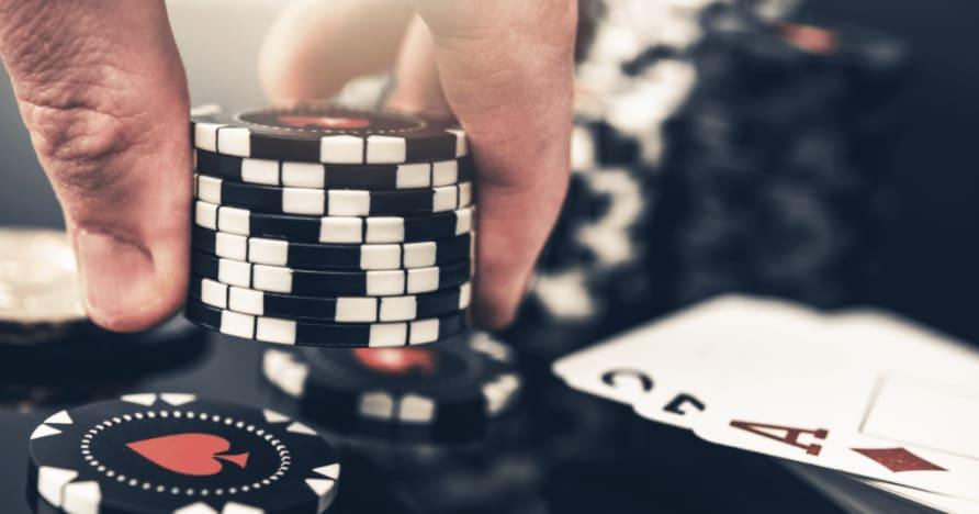 5 Perbedaan Terbesar Antara Poker dan Blackjack